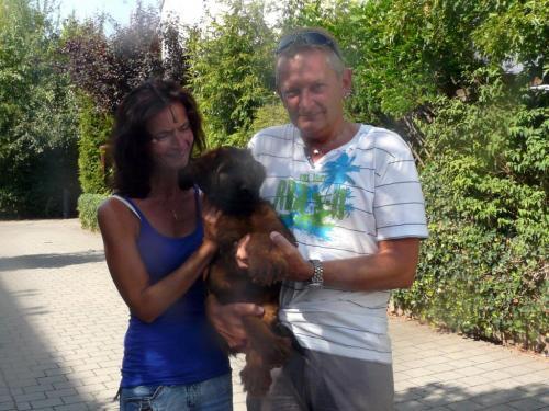 """Betty La Belle """"Fenya""""ist zu Familie Günthner gezogen um die Gegend um Bamberg unsicher zu machen."""